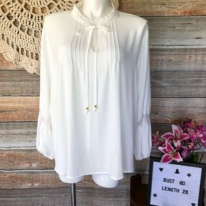 Feminine white Billowy Blouse 26/28